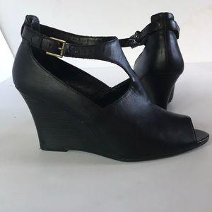LAUREN Ralph Lauren Black Leather Shoes 10B
